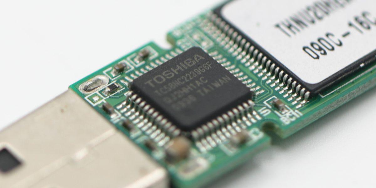 Toshiba-Flash-Drive.jpg